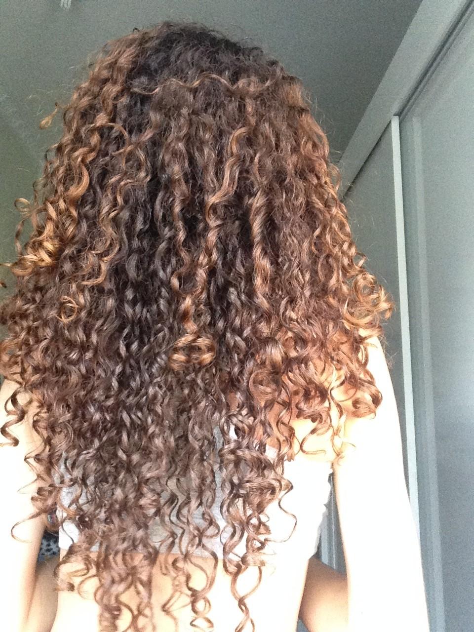 Dicas para prolongar a duração dos cachos - cabelo bonito por vários dias!
